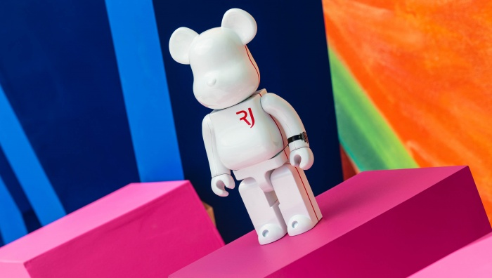 Discover RJ's Spaceman BE@RBRICK